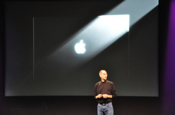 apple-laptop-event-004.jpg